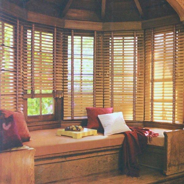 Rèm gỗ giá rẻ - rèm cửa văn phòng
