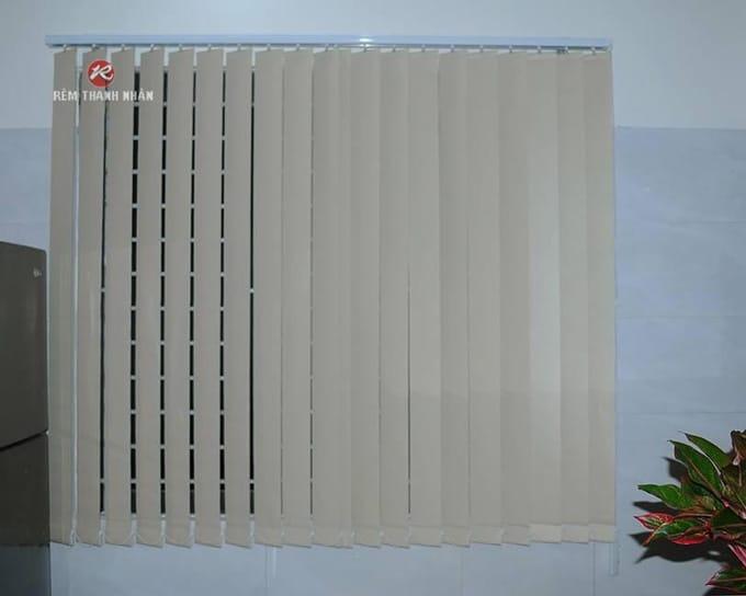 Mành rèm lá dọc A.582 chống nắng cách nhiệt cửa sổ