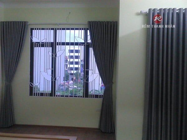 rem vai tho mot mau dep gia re - Rèm vải thô một màu và rèm voan lưới thêu nổi ở Hà Nội