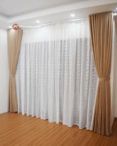 Lắp bộ rèm cửa 2 lớp vải thô bố ở đường Nguyễn Văn Lộc Mỗ Lao Hà Đông