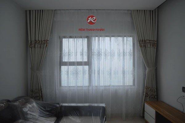 Rem vai tho cotton va voan luoi theu cho phong khach - Bộ rèm vải thô cotton và rèm voan lưới thêu giá rẻ ở Hà Đông