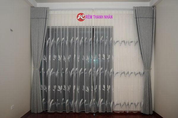 mau rem cua phong ngu dep mau ghi sang 1 - Lựa chọn mẫu rèm cửa phòng ngủ đẹp tại Hà Nội