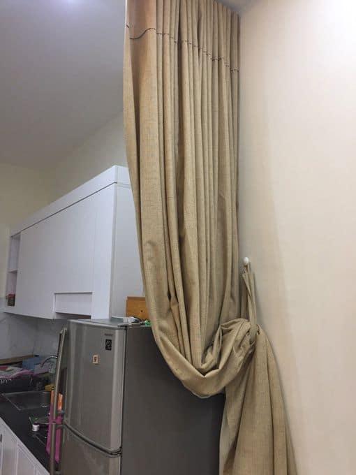 Sử dụng rèm ngăn lạnh gọn, hiệu quả