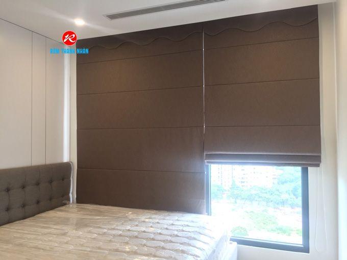 Mẫu rèm vải roman kẹp 2 lớp RM484-6 phòng ngủ chung cư đẹp