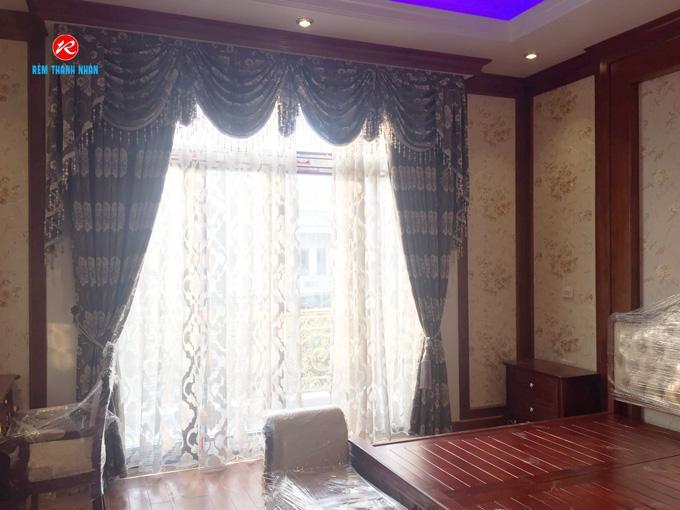 Mẫu rèm vải họa tiết 2 lớp RV2012-9 có yếm đẹp cho phòng ngủ