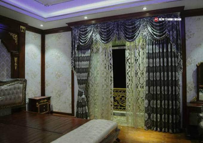Rèm cửa đẹp vải gấm hoa văn cổ điển