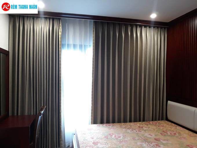 Rèm cửa sổ phòng ngủ vợ chồng màu nâu nhạt