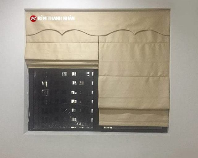 Rèm roman cửa sổ nhỏ phòng ngủ