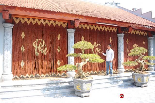 Rèm hạt gỗ Hương che cửa Nhà thờ
