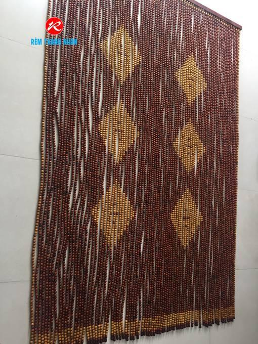 Rèm hạt gỗ Hương treo cửa mẫu 6 quả Trám