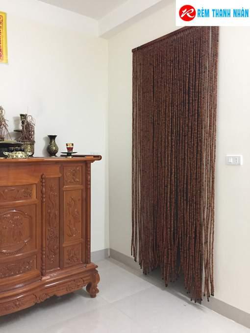 Rèm hạt gỗ cửa lối đi ra vào
