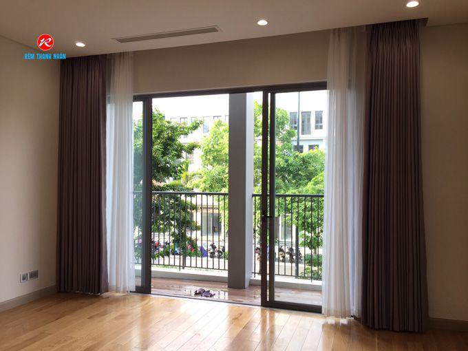 Rèm cửa vải kéo ngang phòng khách đẹp, hiện đại và sang trọng